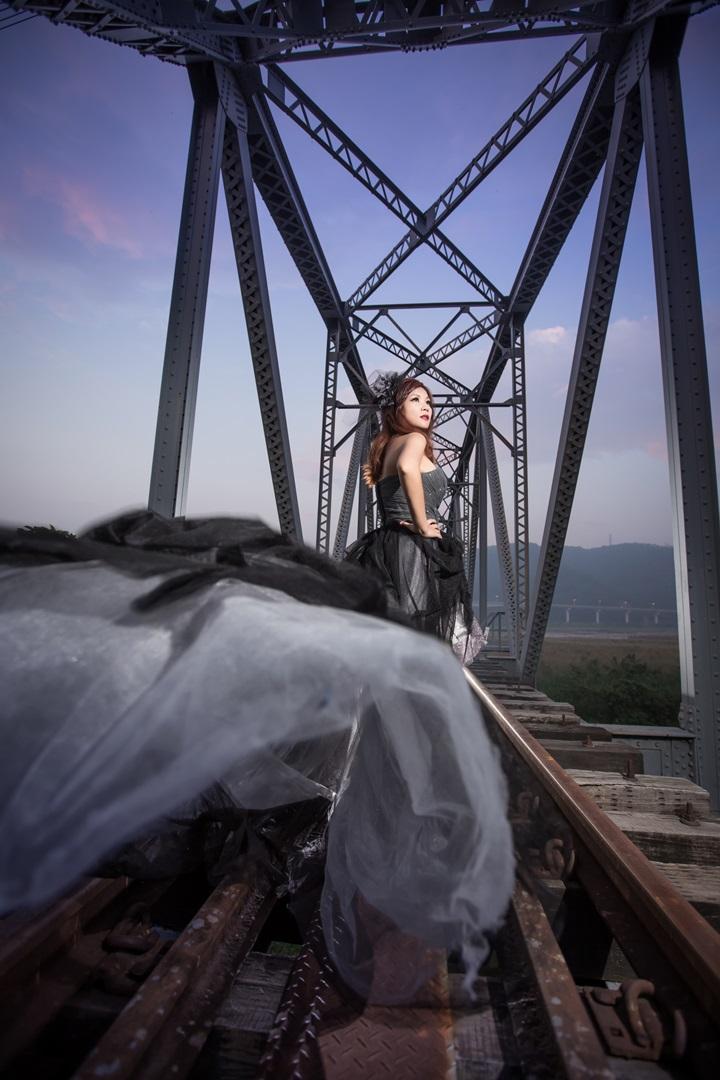 黑禮服鐵道婚紗-桃園婚攝強哥